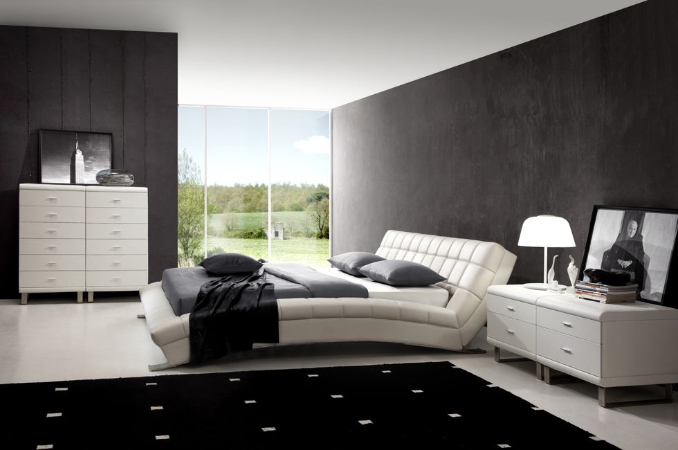 Barcelona White Leather Bed